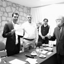 PRESENTA RAFA FLORES DIEZ COMPROMISOS DE TRABAJO ANTE CONSTRUCTORES