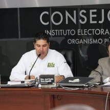 EJECUTA IEEZ CANCELACIÓN DE REGISTROS DE 12 CANDIDATOS, POR ACUERDO DEL INE
