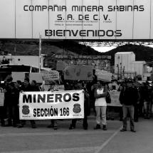PROTESTAN MINEROS CONTRA CIA. MINERA SABINAS