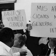 TRABAJADORES SINDICALIZADOS PROTESTAN ANTE EL ISSSTEZAC