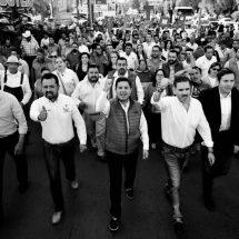 ENRIQUE, OSVALDO Y VÍCTOR AGLUTINAN A MILES ESTA TARDE