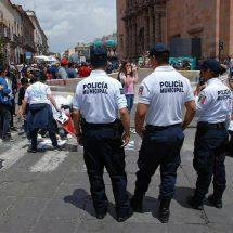 NIÑOS Y JÓVENES CELEBRABAN UNA JORNADA POR LA PAZ… LOS FRENAN POLICÍAS MUNICIPALES Y ESTATALES