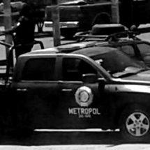 ATACAN A POLICÍAS; HAY DETENIDOS Y DOS UNIFORMADOS HERIDOS