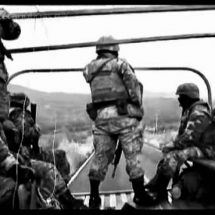 GRUPO ARMADO ATACA A MILITARES; UN DETENIDO