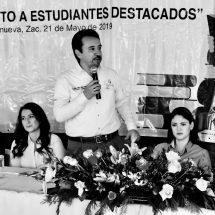 AYUNTAMIENTO DE VILLANUEVA RECONOCE A ALUMNOS DESTACADOS