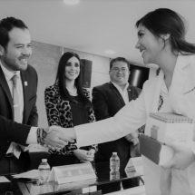 AYUNTAMIENTO DE ZACATECAS COMPARTE CON LA BUAZ DONATIVO MEDICO PROVENIENTE DE E.U.