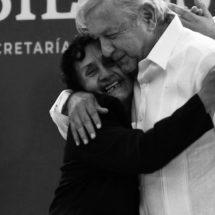 SIN ABUCHEOS, EL PRESIDENTE Y EL GOBERNADOR ENCABEZAN ENCUENTRO CON BENEFICIARIOS DE PROGRAMAS EN PINOS