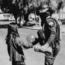 POLICÍAS REALIZAN OPERATIVO… PARA REGALAR JUGUETES A NIÑOS DE LA CAPITAL