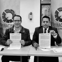 FIRMAN CONVENIO DE COLABORACIÓN CECATI 81 Y CANACINTRA