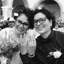 EN MATRIMONIO COLECTIVO, 13 PAREJAS DEL MISMO SEXO CONTRAEN MATRIMONIO
