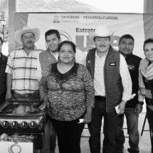 FAMILIAS DEL SEMIDESIERTO EN  MAZAPIL RECIBEN APOYOS SOCIALES